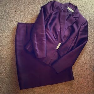 Plum Tahari Skirt Suit Size 4